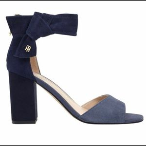 NWOB Tommy Hilfiger Two-toned blue suede s…